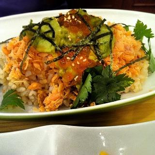 鮭とイクラとアボカド.jpg